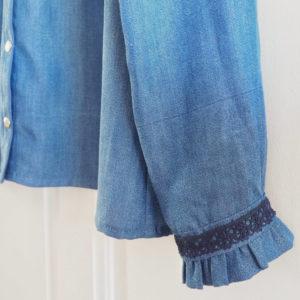 détail de poignet de manche chemise Azur